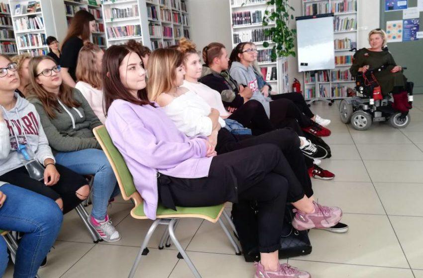 Spotkanie – Zespół Szkół Ponadgimnazjalnych im. Ireny Sendlerowej w Tarczynie